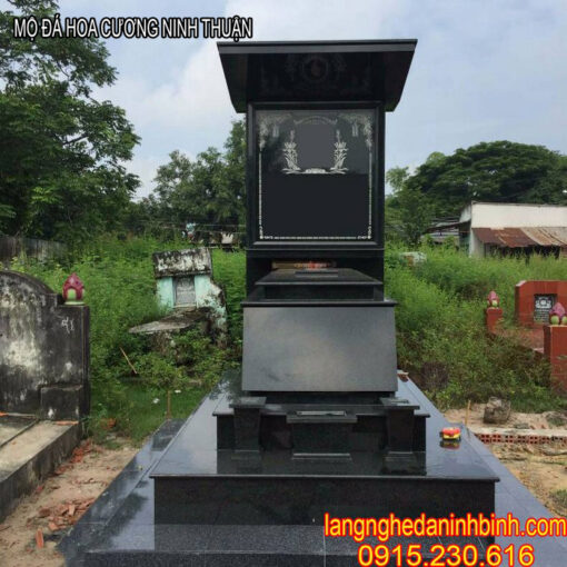 mộ đá hoa cương Ninh Thuận