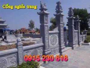 Cổng đá khu nghĩa trang dòng họ ở Quảng Ninh