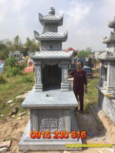 Mộ đá ba mái ở Quảng Ninh