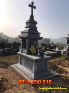 Mộ đá thiên chúa giáo ở Quảng Ninh