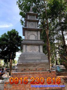 Tháp mộ đá đẹp tại Bến Tre