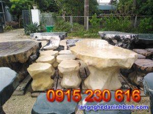 Bàn ghế đá tự nhiên – Mẫu bộ bàn ghế đá biệt thự sân vườn đẹp - 1